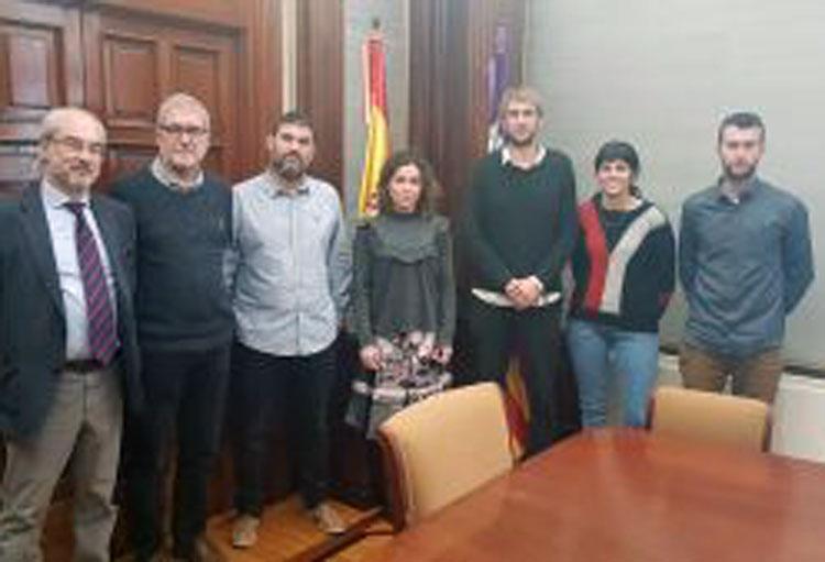 Ens reunim amb la delegada de Govern per abordar problema de renous de motos a la Serra
